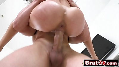 Would love to watch a white cock gape my white gf's holes like that making sure I know that my 9